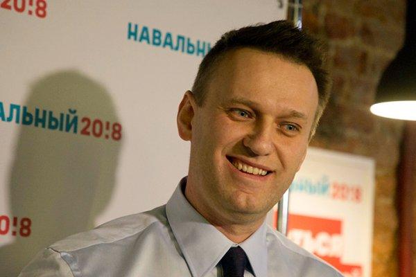 Алексей Навальный и его питерская афера: митинг как пиар-ход перед выборами?