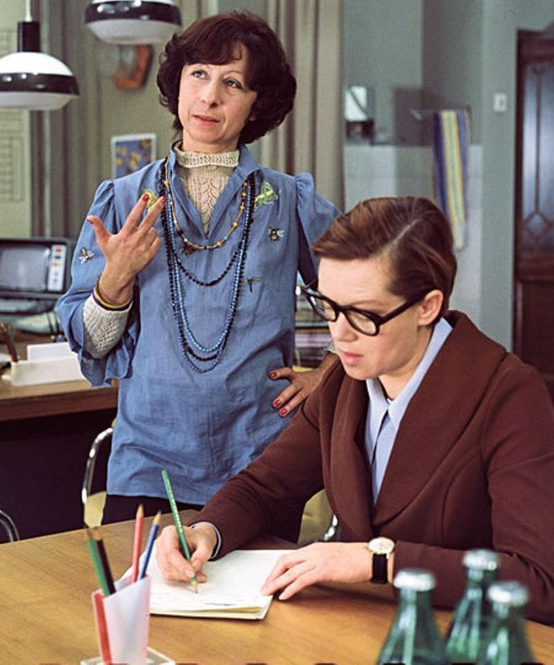5. Изначально у секретарши Верочки должен был быть муж , которого играл Александр Фатюшин. СССР, актеры, кино, служебный роман