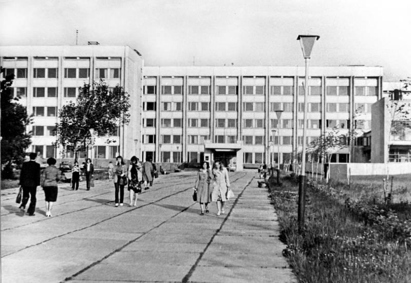 Особенности науки в СССР или аспиранты на картошке