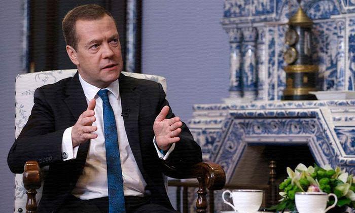 Медведев предложил вложить деньги из бюджета России в Ливию, Вьетнам и Египет