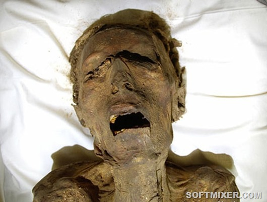 03-screaming-mummy