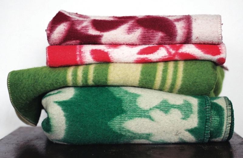 Эстонский дизайнер шьет потрясающие вещи из старых одеял