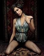 Розарио Доусон (Rosario Dawson) в фотосессии Джеймса Уайта (James White) для журнала Esquire (июнь 2005)
