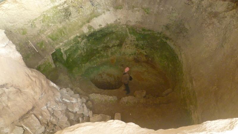 Окрестости города Чуфут-Кале город Чуфут-Кале, крым, пещерный город, пещерный город Чуфут-Кале
