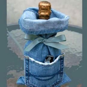 упаковка бутылки в джинсы