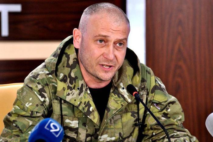 Ярош призвал жителей городов Украины готовиться встречать российские войска