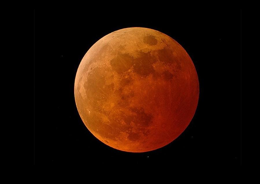 Завтра состоится полное лунное затмение