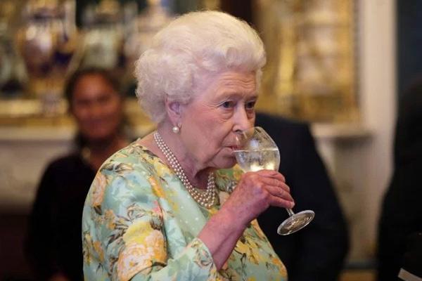 4 любимых напитка Ее Величества