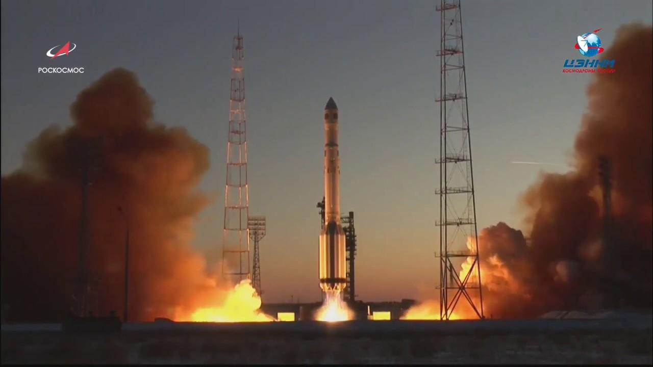 """Очередная отечественная ракета-носитель """"Протон-М"""" с новейшим метеоспутником стартовала с космодрома Байконур"""