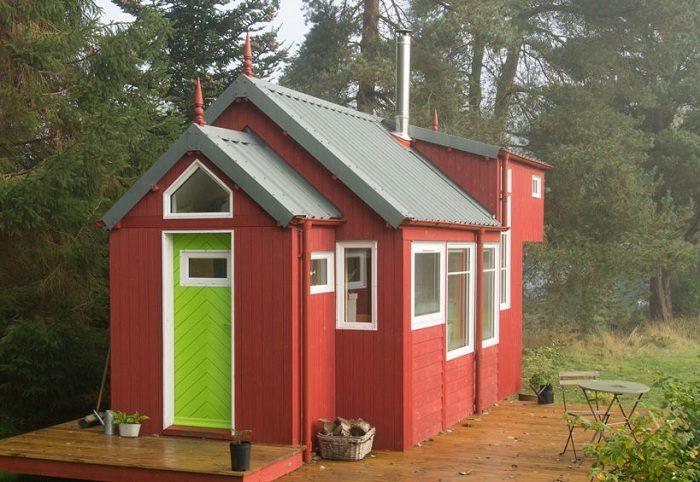 Домик площадью всего 29 кв. метров - отличный вариант для дачной постройки