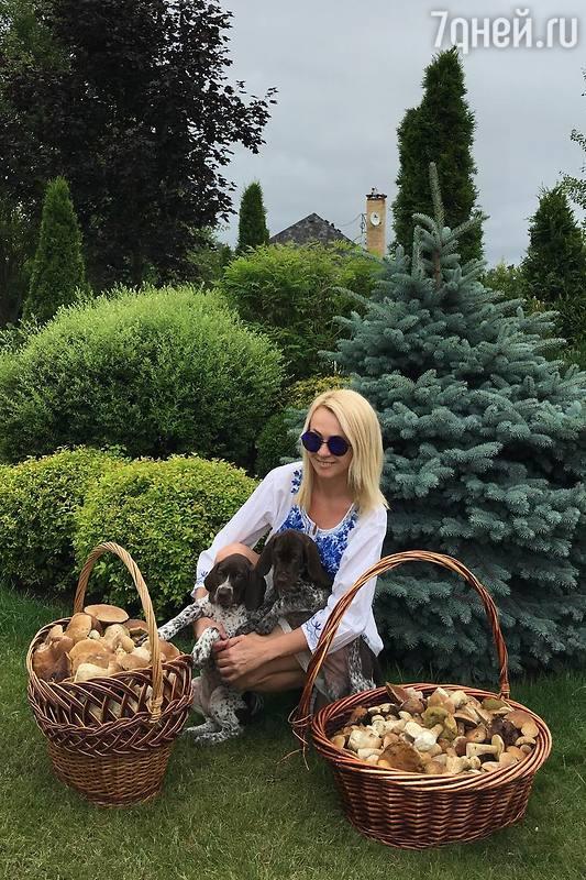 Яна Рудковская завела охотни…