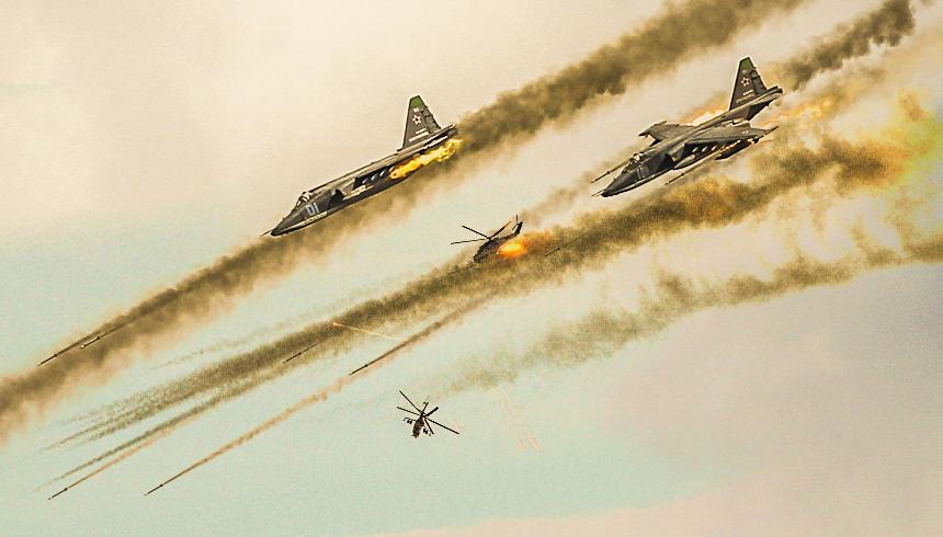 Русская авиация смела нефтяной конвой боевиков по дороге в Ракку
