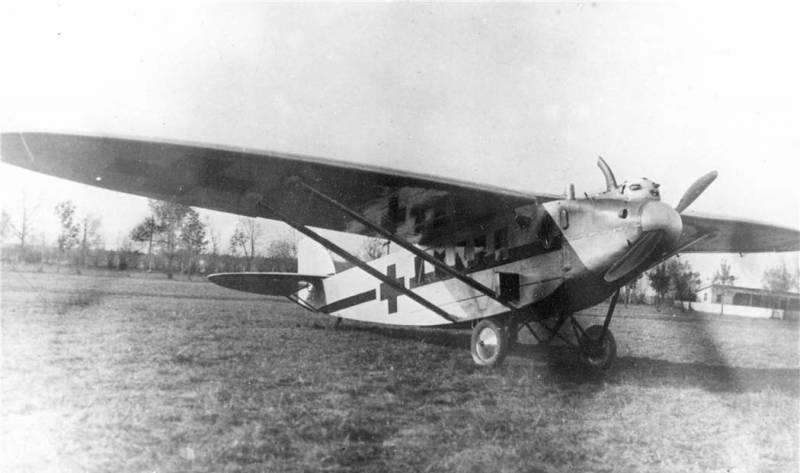 К-3 / РОКК-1. Первый санитарный самолёт СССР
