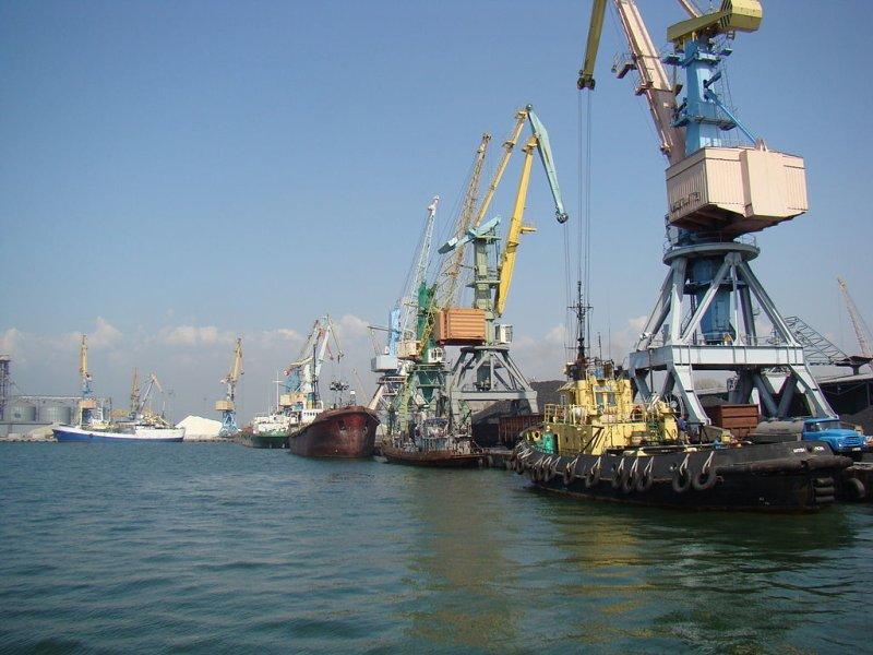 Клименко призвал Украину искать альтернативу Мариупольскому и Бердянскому портам