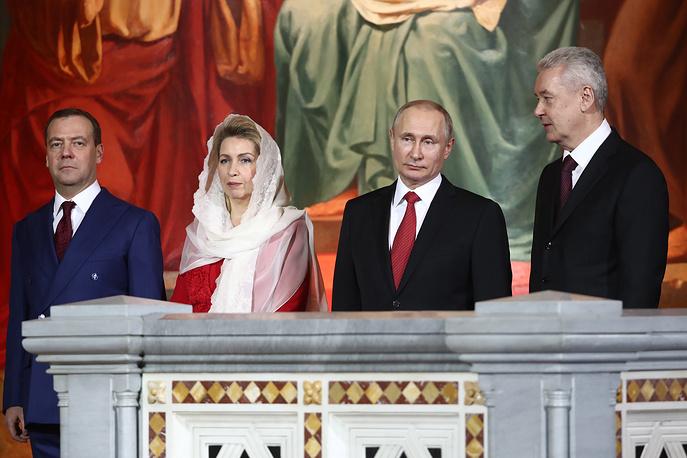 Путин и Медведев приехали на богослужение в храме Христа Спасителя