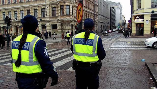 В Финляндии неизвестный напал с ножом на прохожих
