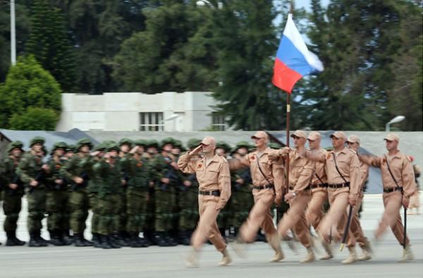 Группировку РФ в Сирии возглавил Герой России