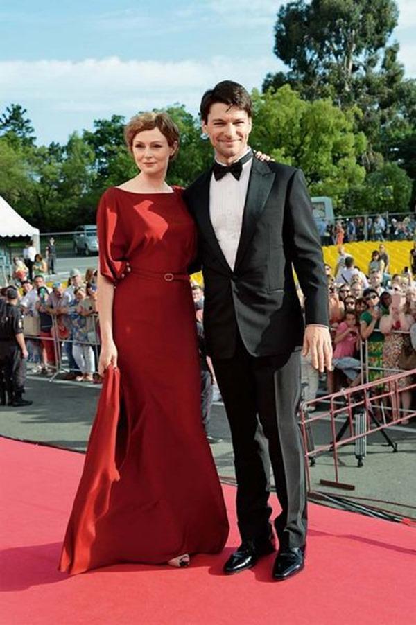 Даниил Страхов впервые вывел в свет свою жену. Какая приятная пара!