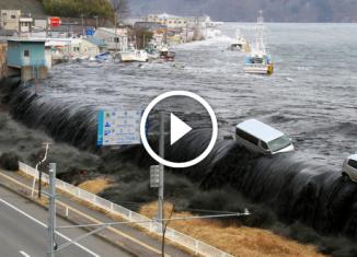 Съемка разрушительного цунами в Японии.