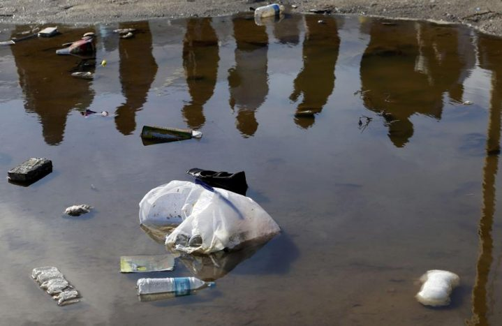 Писатель высмеял «европейскость» Латвии: облупленные хрущёвки, всюду мусор.