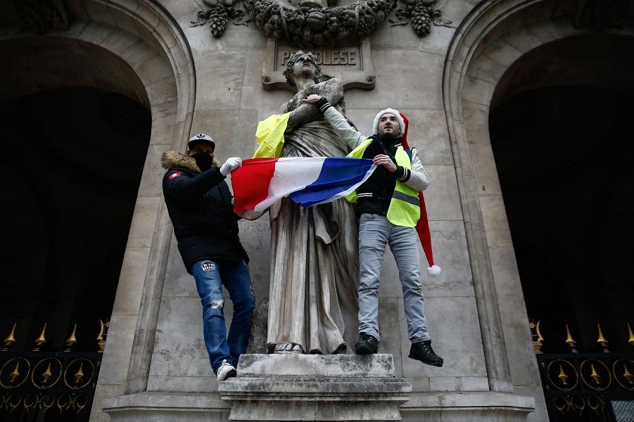 «Желтые жилеты», последствия. Наказания за несанкционированные уличные акции будут усилены