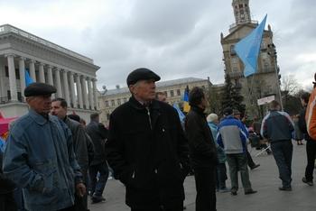 Украинские пенсионеры устроили митинг у стен Рады
