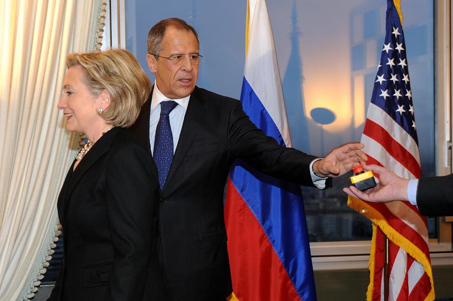 Если американец критикует внешнюю политику США, то это выглядит устрашающе