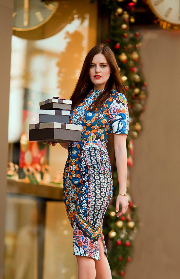 Платье-футляр для женщин 40 лет: 15 восхитительных образов