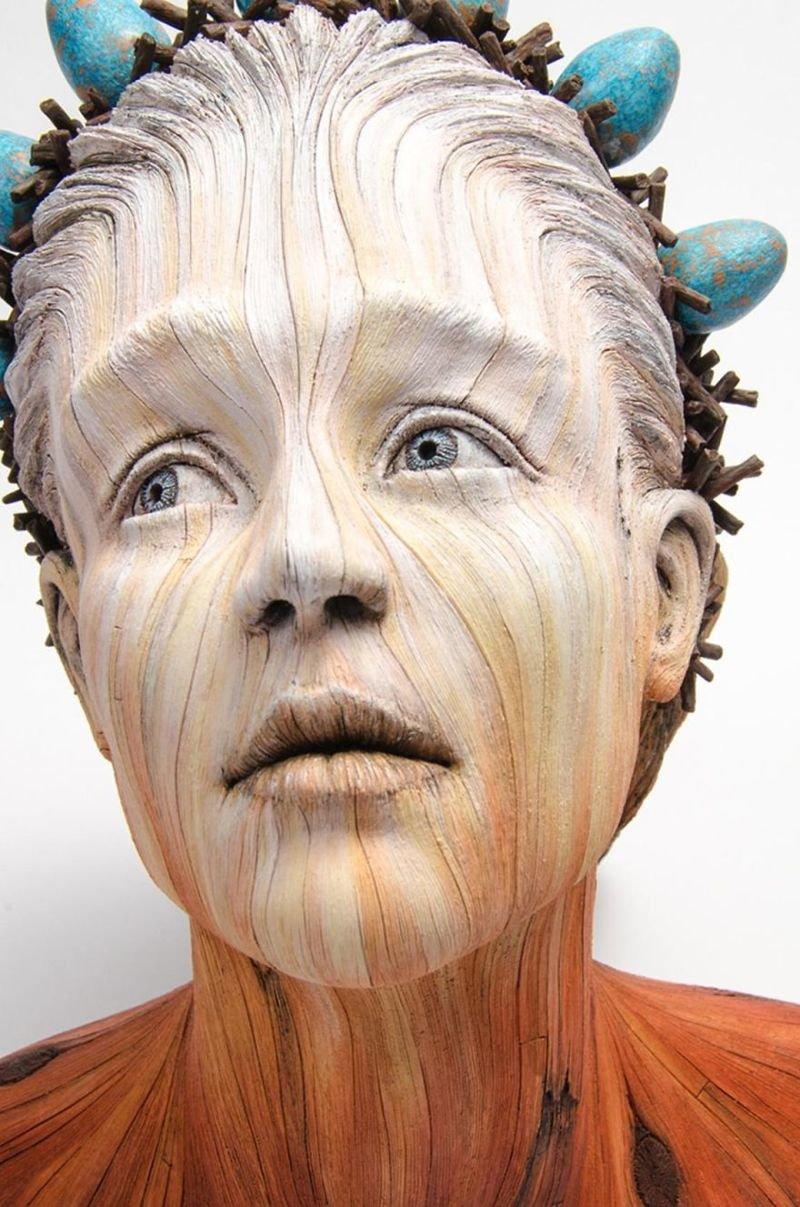 Скульптор делает завораживающие «деревянные» скульптуры из керамики