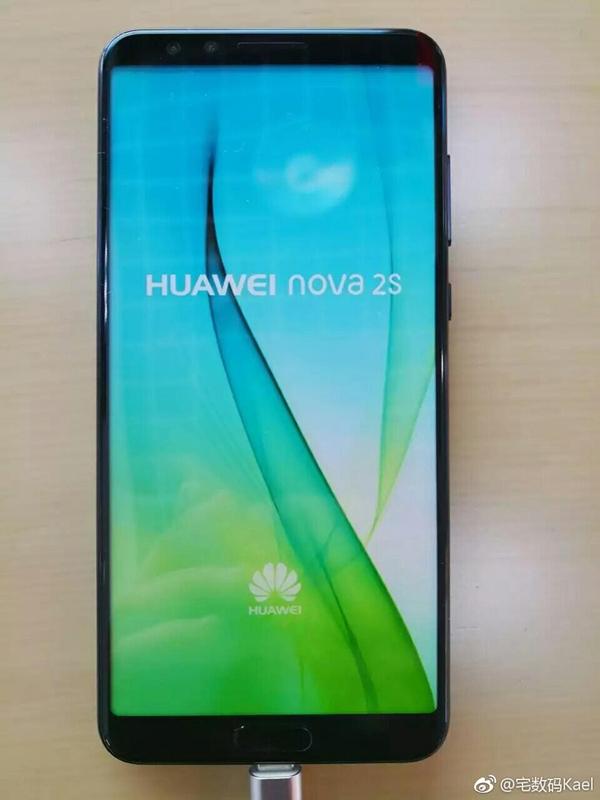 Смартфон Huawei Nova 2S показал лицо