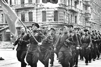 Кедми: Россия отвечает за честь всех солдат Красной Армии