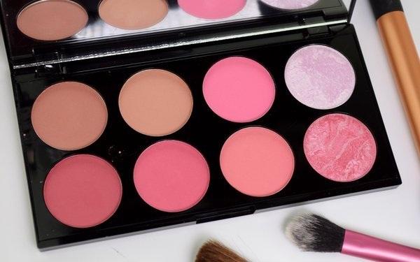 10 ошибок в макияже, которые делают вас старше