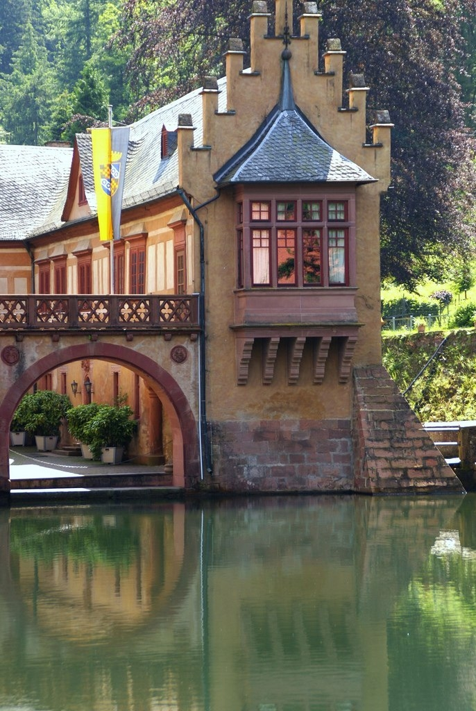Замок на воде Меспельбрунн (Schloss Mespelbrunn). Германия