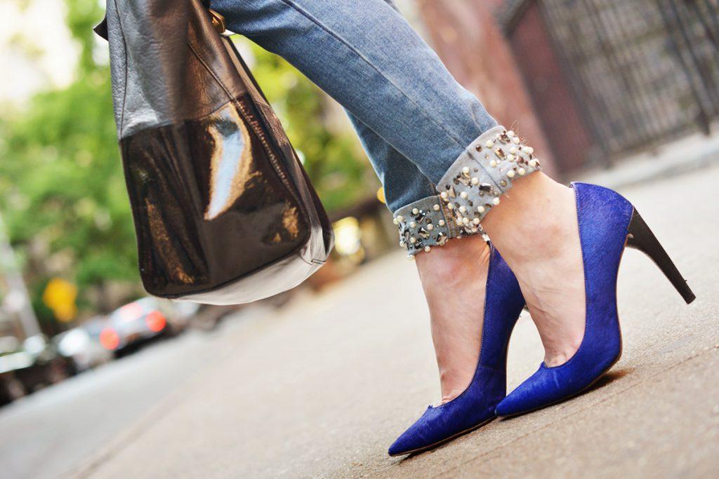 Как украсить джинсы: стильный дизайн и оригинальные идеи