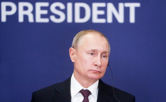 Рейтинг в пике: Путин теряет очки