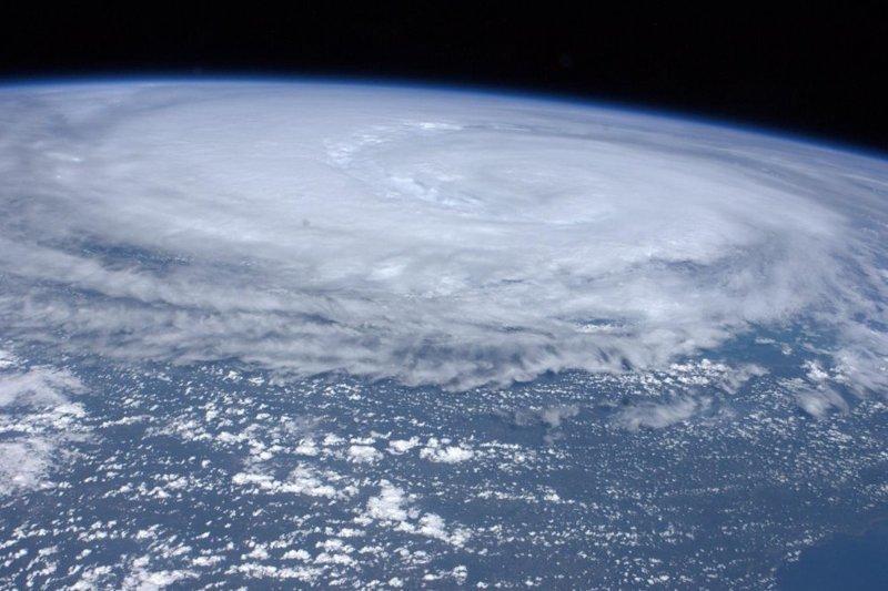 """Ураган """"Айрин"""" над восточным побережьем США, август 2011 года земля, космос, красота, природа, фото"""
