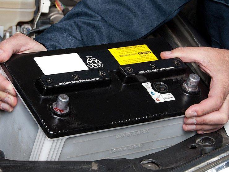 Как самостоятельно быстро завести машину с севшим аккумулятором