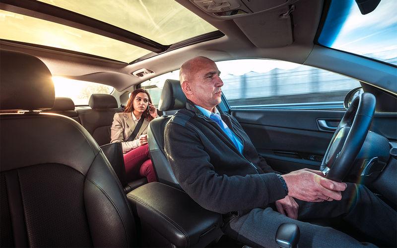Самое безопасное место в машине — за водителем?