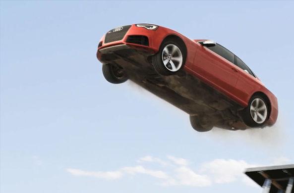 Американец на автомобиле перепрыгнул разведенный мост