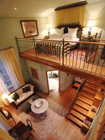 спальня на втором уровне дома