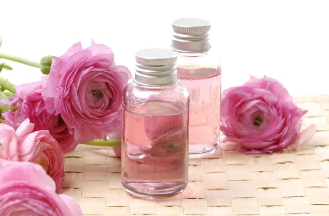 Эфирное масло розы в уходе за лицом