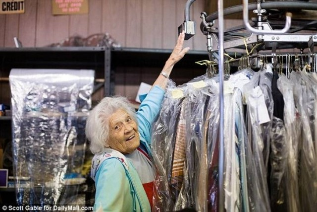 Этой женщине уже 100 лет, но…