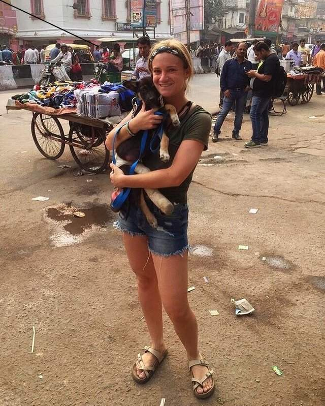 Она отправилась в Индию за душевным спокойствием, но приобрела нечто большее!