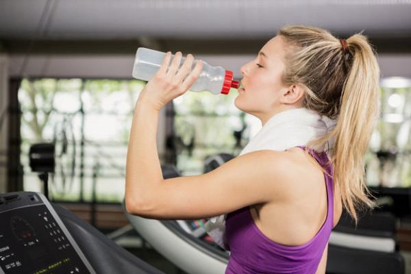 Какие напитки вредно пить после тренировки