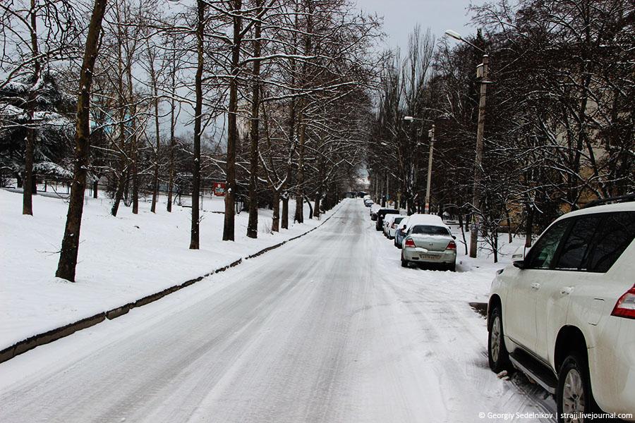 Севастополь традиционно не справился со снегом
