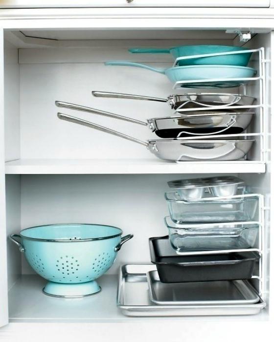 Подставка для сковородок.