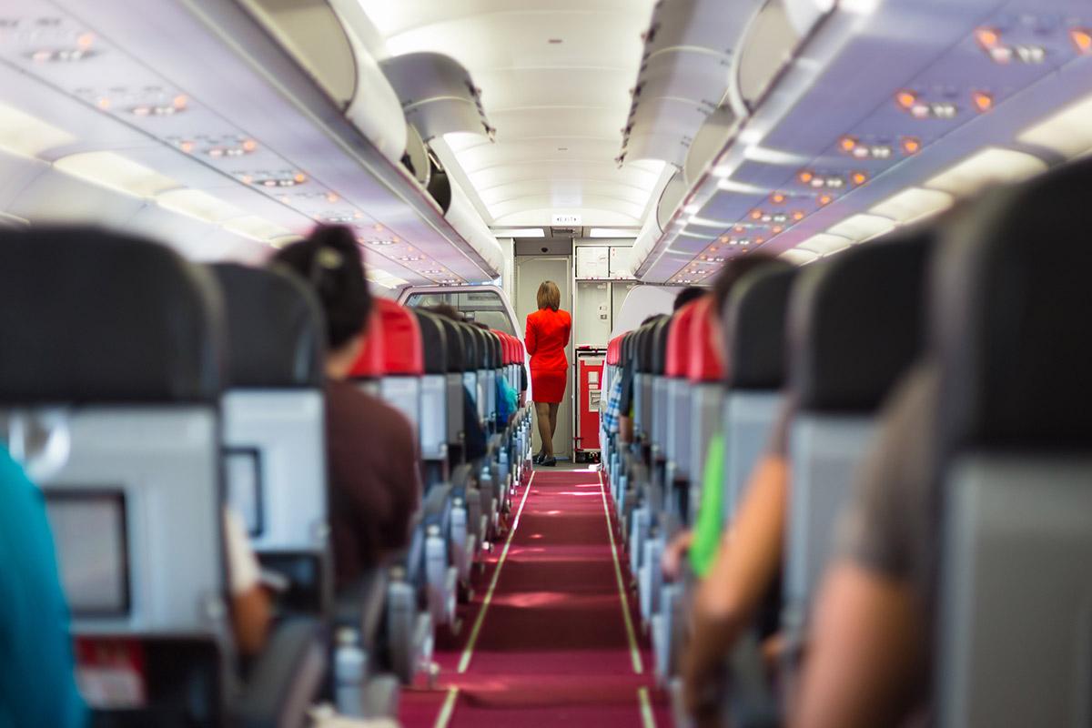 Что проверяют стюардессы, ко…
