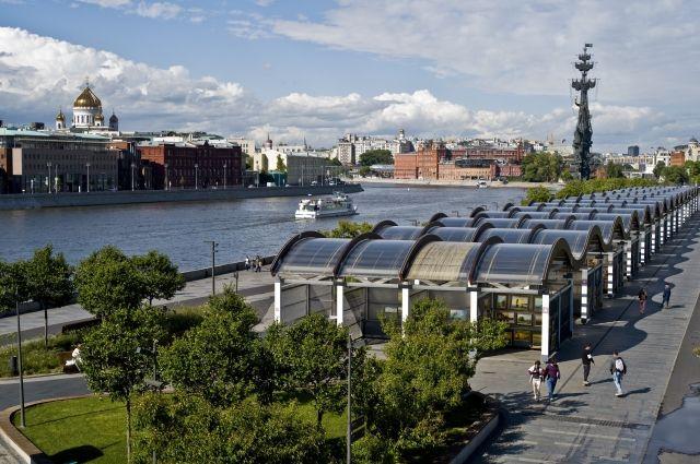 Москвичей в пятницу ожидает теплая погода без осадков