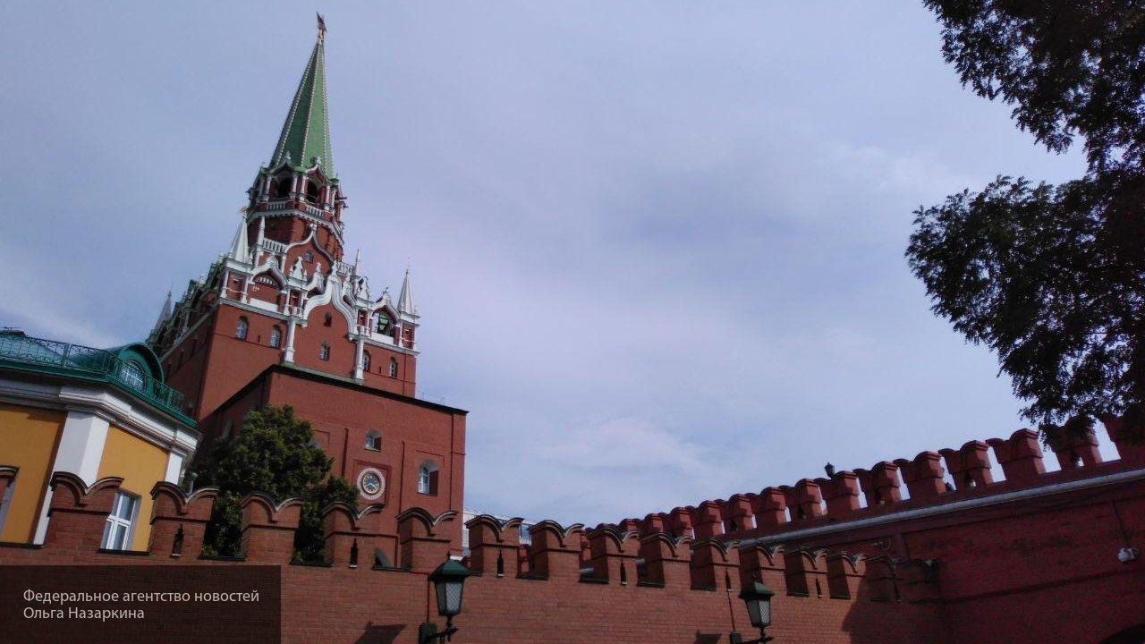 В Кремле считают абсурдной реакцию Лондона на интервью Петрова и Боширова