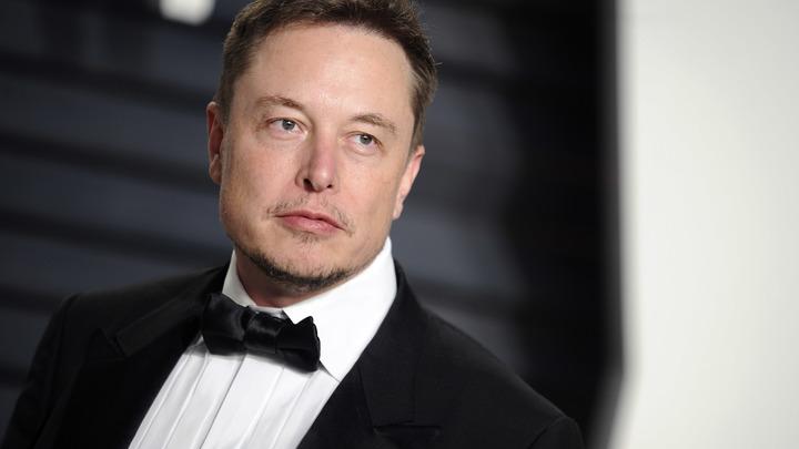 Инвесторы Tesla требуют Илона Маска извиниться перед «спасателем-педофилом»